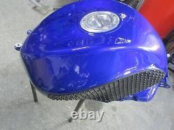 Kawasaki ZX10R 2006 2007 D6F D7F Race Track fuel tank stomp grips quick release