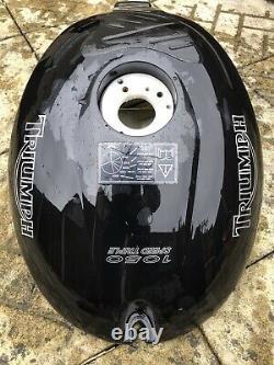 MotorbIke Bike Race TRIUMPH SPEED TRIPLE 1050 FUEL TANK PETROL Used Condition