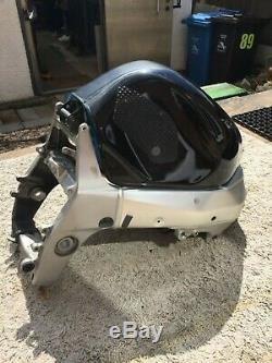 Project Suzuki GSXR1000 K2 Race Track Motorcycle Bike Frame + Fuel Tank With V5